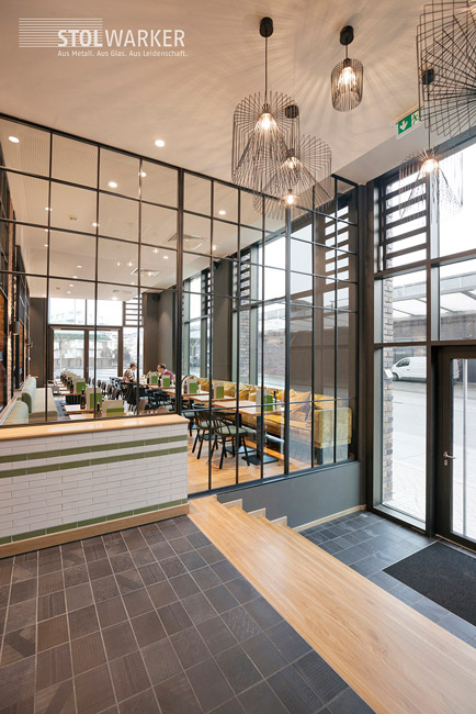 halbhohe trennwand wohnzimmer fabulous moderne wohnzimmer von mat e design with halbhohe. Black Bedroom Furniture Sets. Home Design Ideas